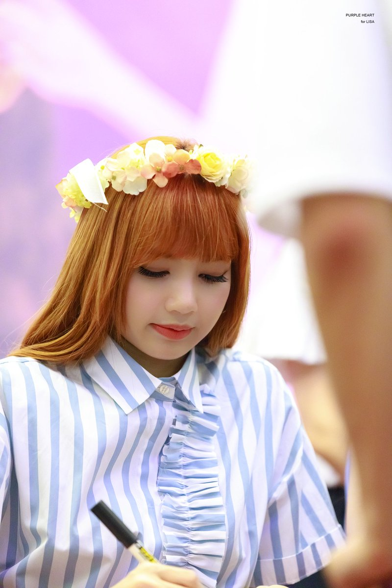 Idols with flower crowns on twitter lalisa manoban lisa idols with flower crowns on twitter lalisa manoban lisa blackpink seb izmirmasajfo