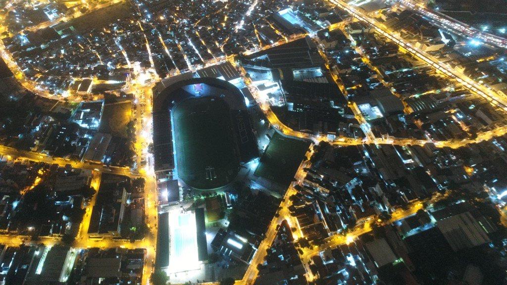 Uma boa noite para vocês com essa visão aérea de São Januário!  📷: One Drone Day