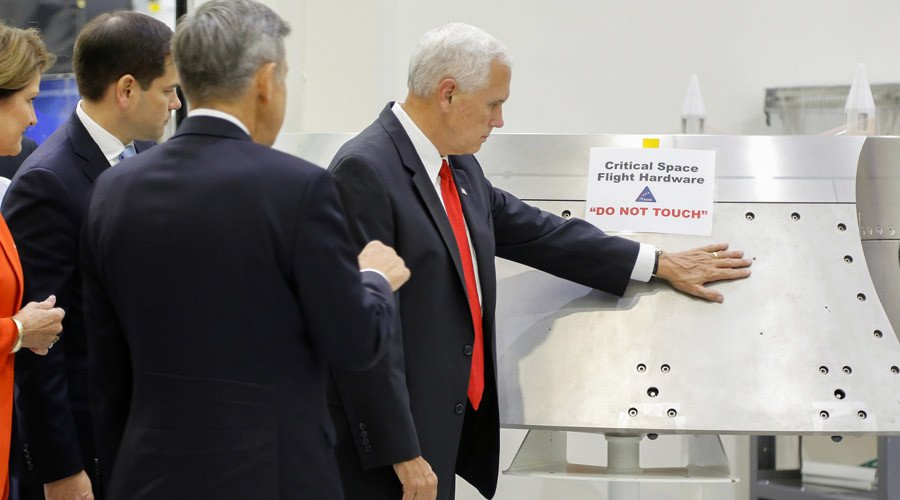 #Pence handles delicate NASA hardware right next to 'do not touch' sign https://t.co/z6nCEuoIu0