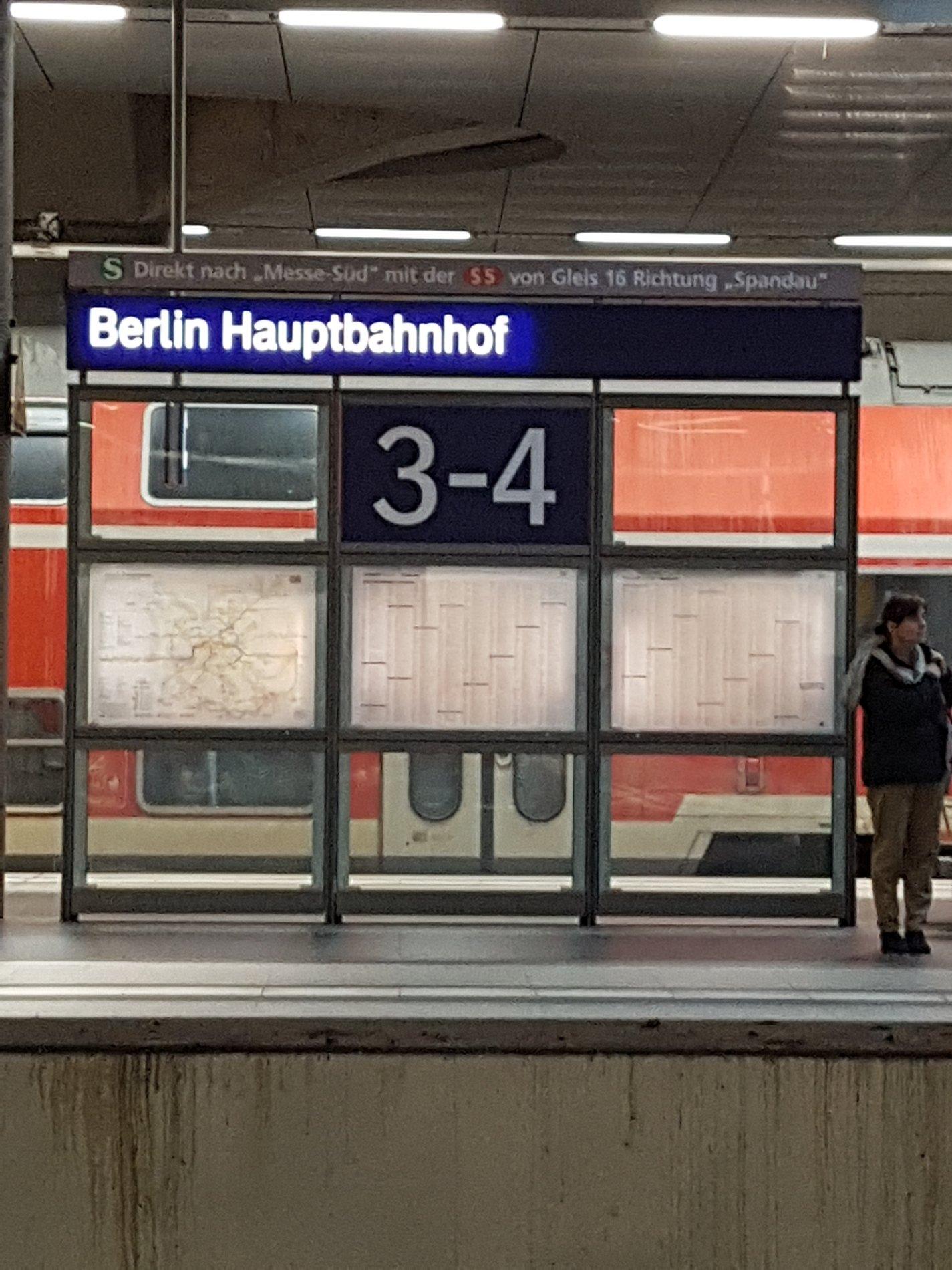 Back to #Karlsruhe - Bye bye & thank U #Stallwaechterparty 2017 #bwjetzt https://t.co/UegNMSrSeH https://t.co/fmOzQoKFJv