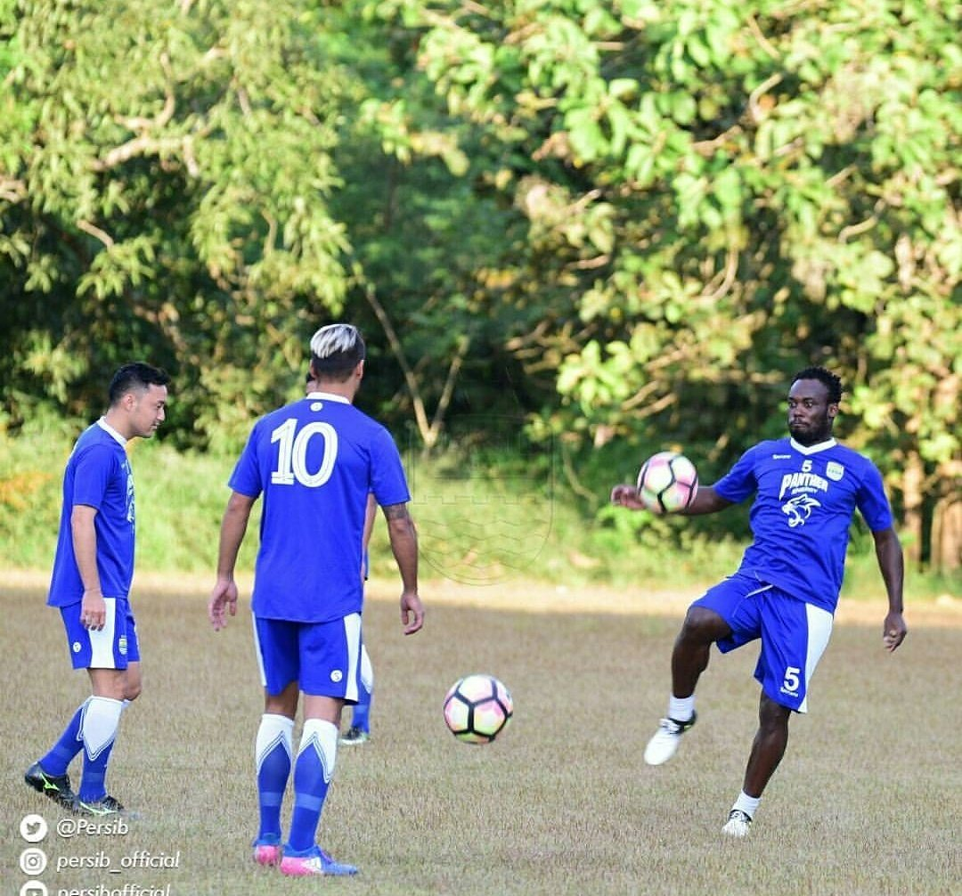 Training done..⚽️🏃🏿‍♂️#Persib🤘🏿 https://t.co/4d1fIe17LT
