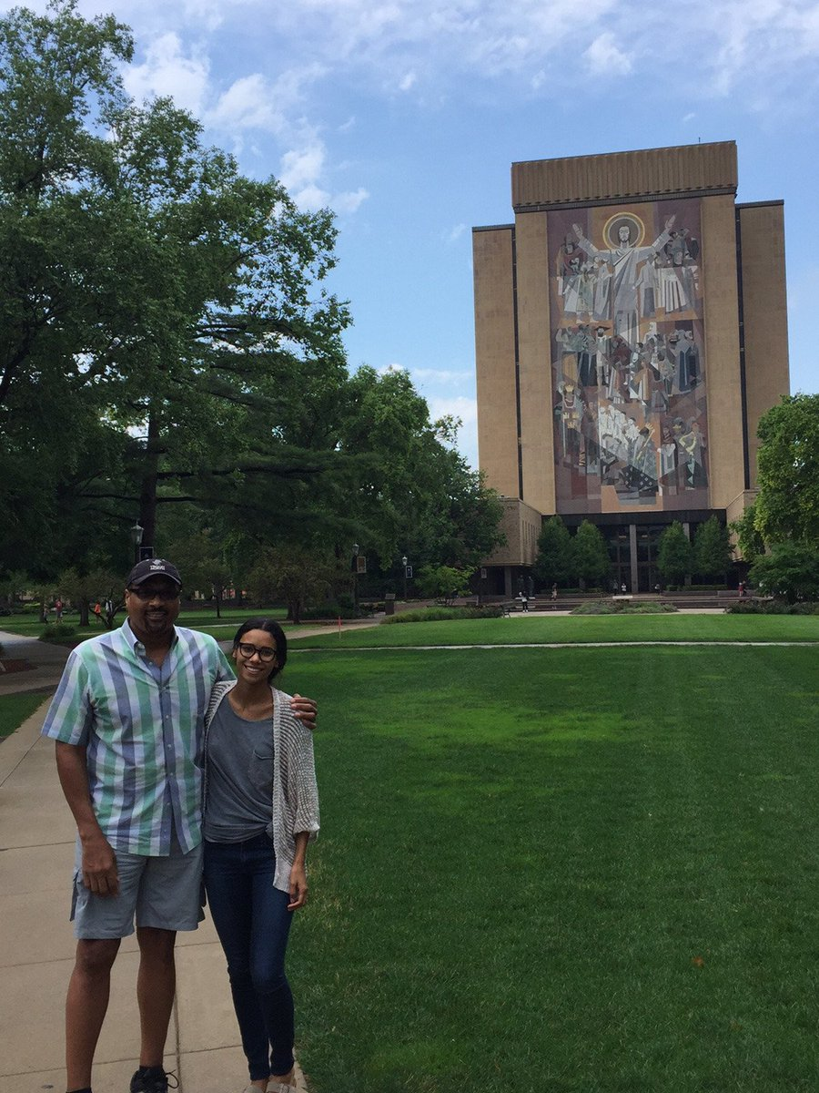 Amazing Day in South Bend. The @NotreDame campus is breathtaking. Loved showing my daughter Touchdown Jesus. https://t.co/Fmi10orBMV