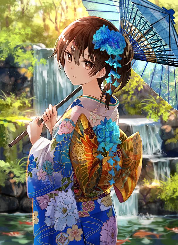 見返り美人な加賀さん。 夏コミ1日目シ16aにてフロンティアゲーム( @frontier_game_ )さんのところでスリーブになります!