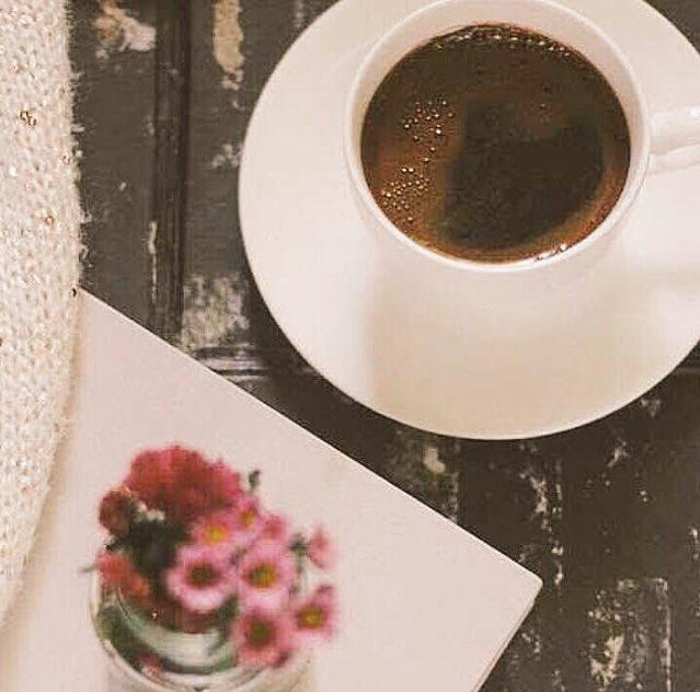 لو كانت القهوه بشراً لعشقتها .. لأنها تت...
