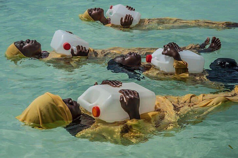 Zanzibari girls learning to swim. Photographs by Anna Boyiazis. https://t.co/CAEsOHPaE0