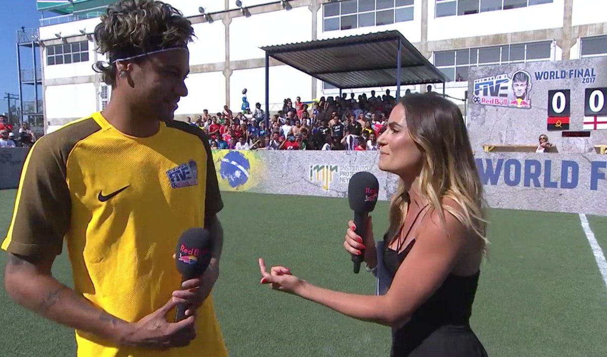Pele Congratulates Neymar As He Emerges PSG Number 10
