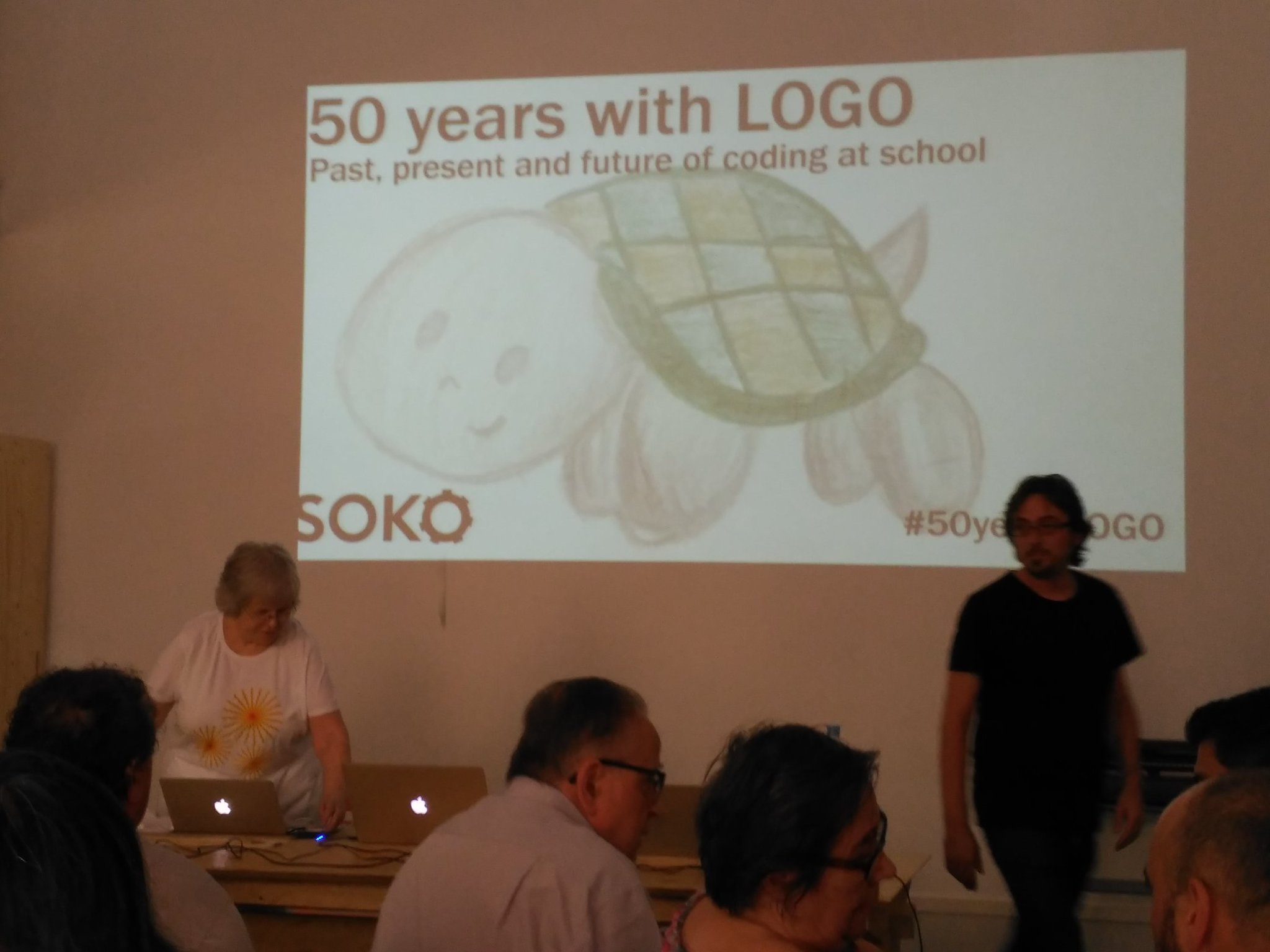 Comença #50yearsLOGO a @sokotech !!! https://t.co/uzF2GUtzCI