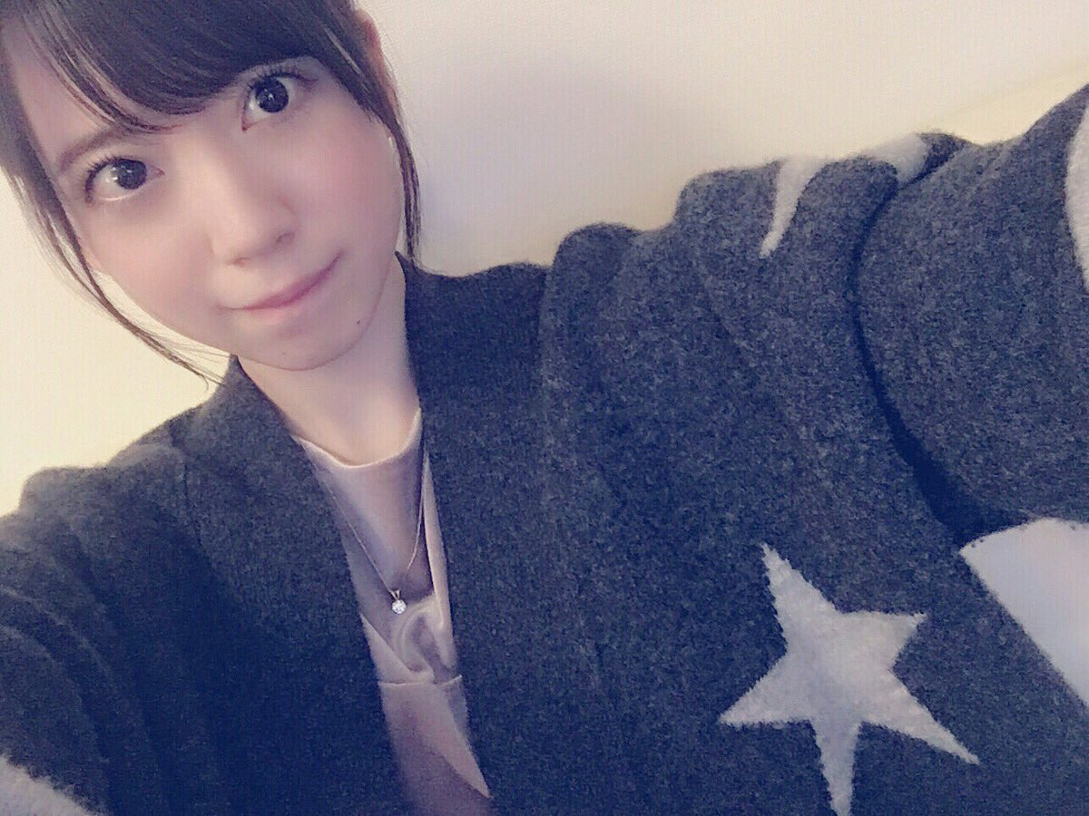 星柄ニットがおしゃれな西川七海