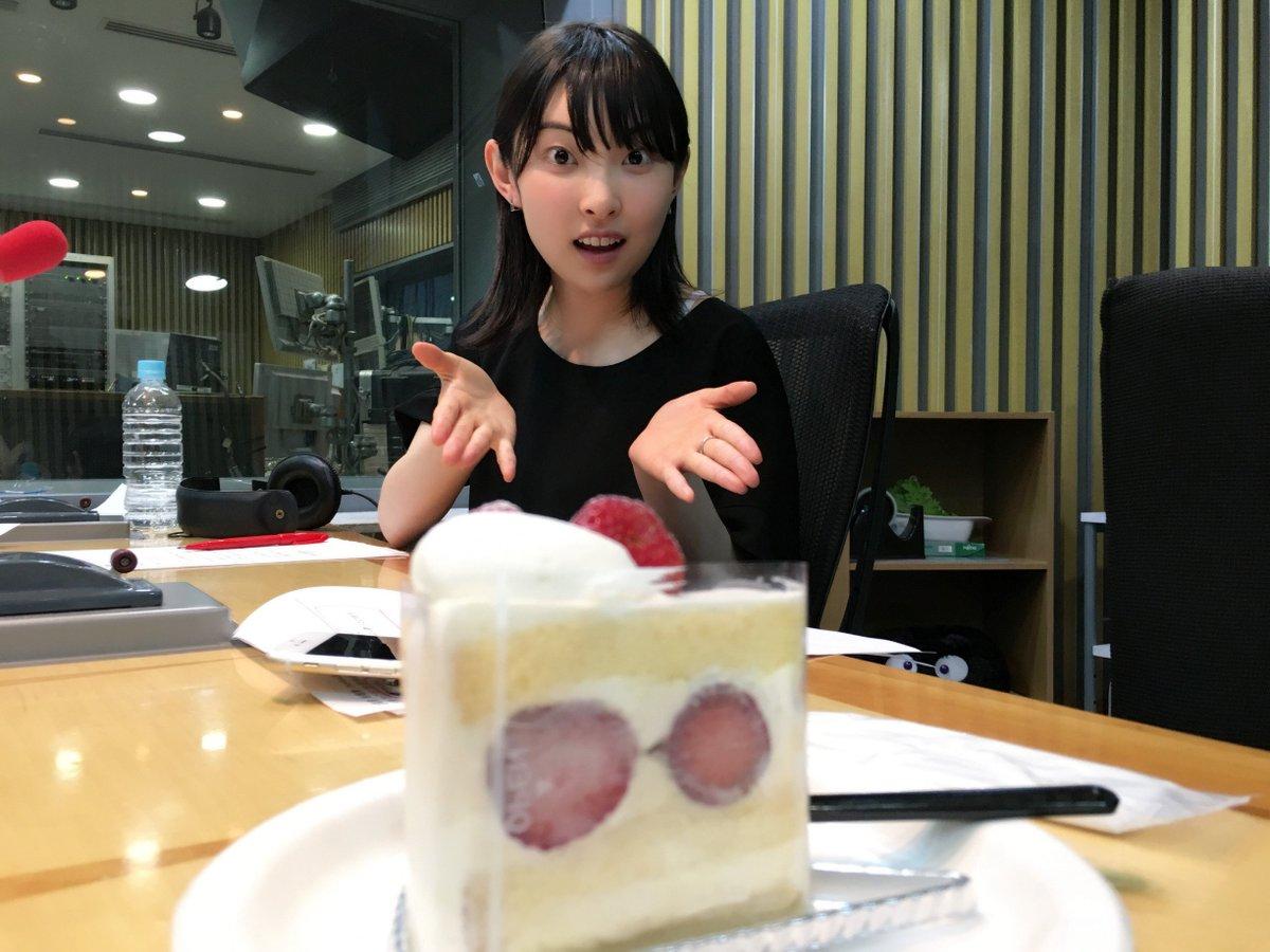 ニッポン放送系「家入レオのオールナイトニッポンR」はただいま生放送でお届けしております!そして、ショ…