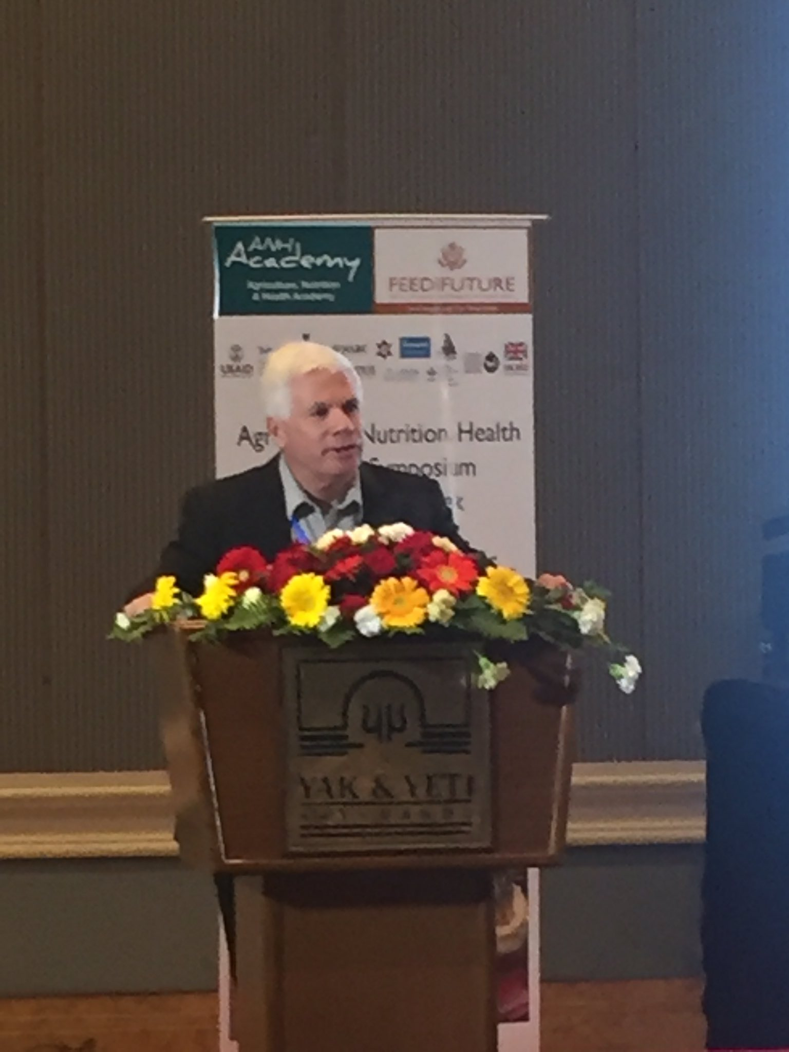 A4NH Director John McDermott delivers welcome at #ANH2017. @IMMANA_res @CGIARnutrition #A4NHResearch #Nepal https://t.co/a31RjHENeL