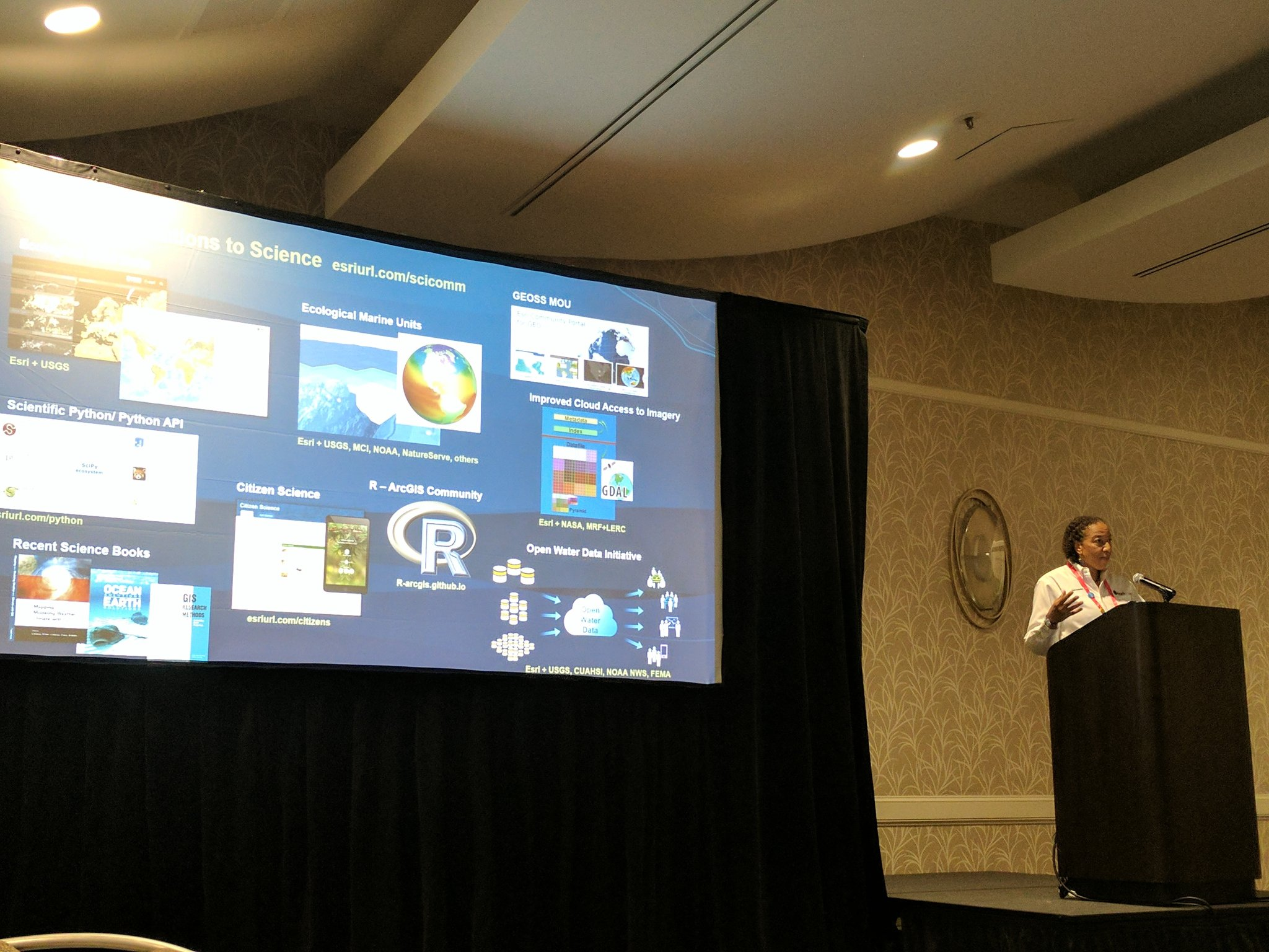 """""""it's not against the rules to say 'open source'"""" @deepseadawn addressing #EsriUC Student Assistants 💯💯💯 https://t.co/ip4zlCqoWY"""