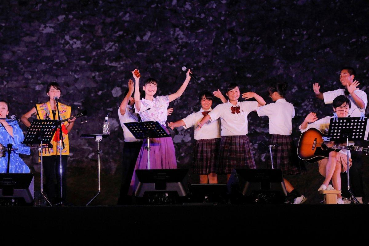 ももクロ高城れに、満月の夜に世界遺産ライブ カチャーシーも披露(写真 全14枚) oricon.co…