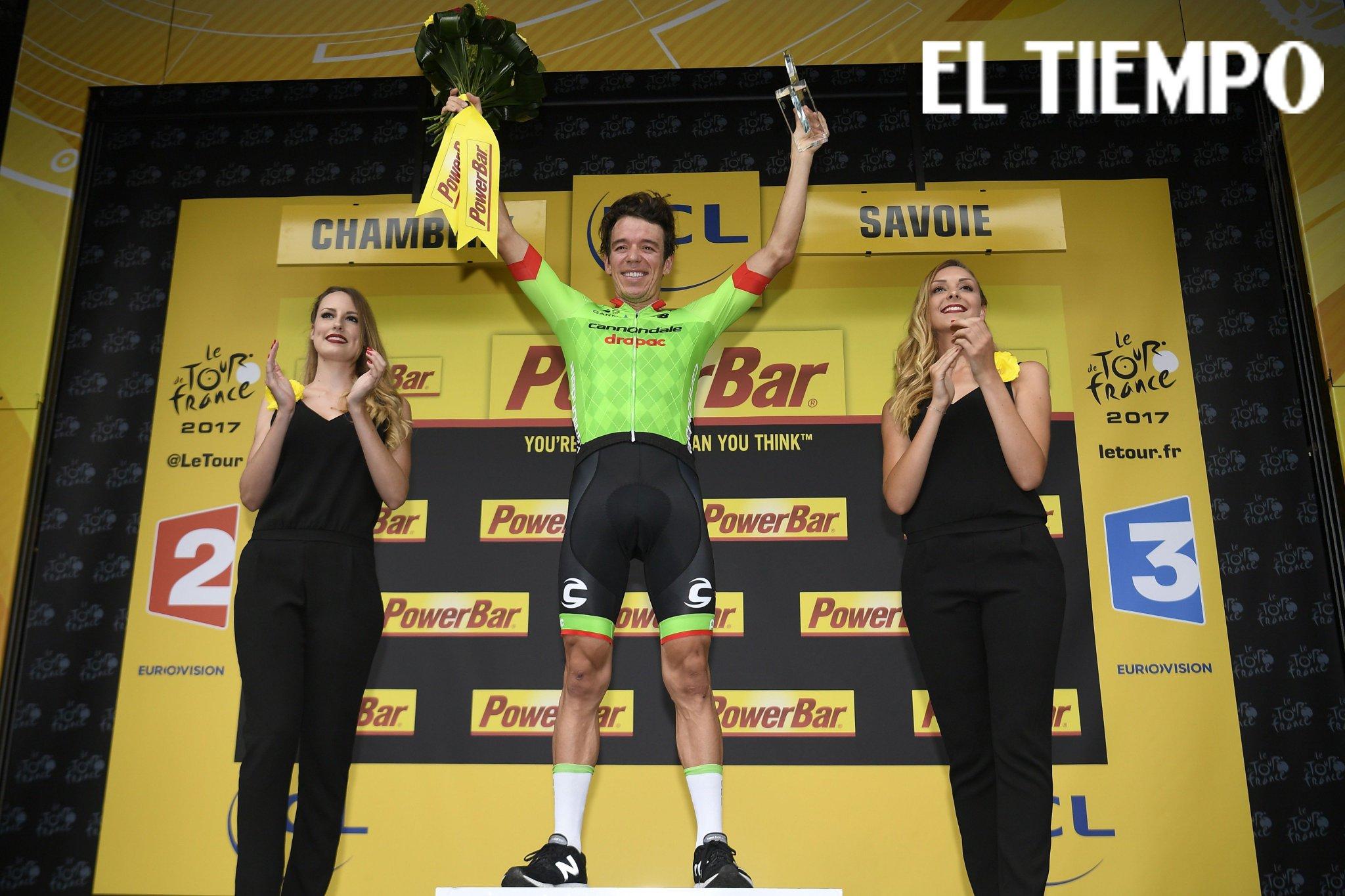 ¡Imagen de oro! @UranRigoberto en lo más alto del podio en @LeTour. ¡Gracias, siempre gracias, colombianos, por dar lo mejor de ustedes! 🇨🇴🚵 https://t.co/z8VHhtspWA