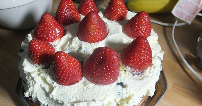 Cooking with Kids: Lara's Very Berry Cake #recipe