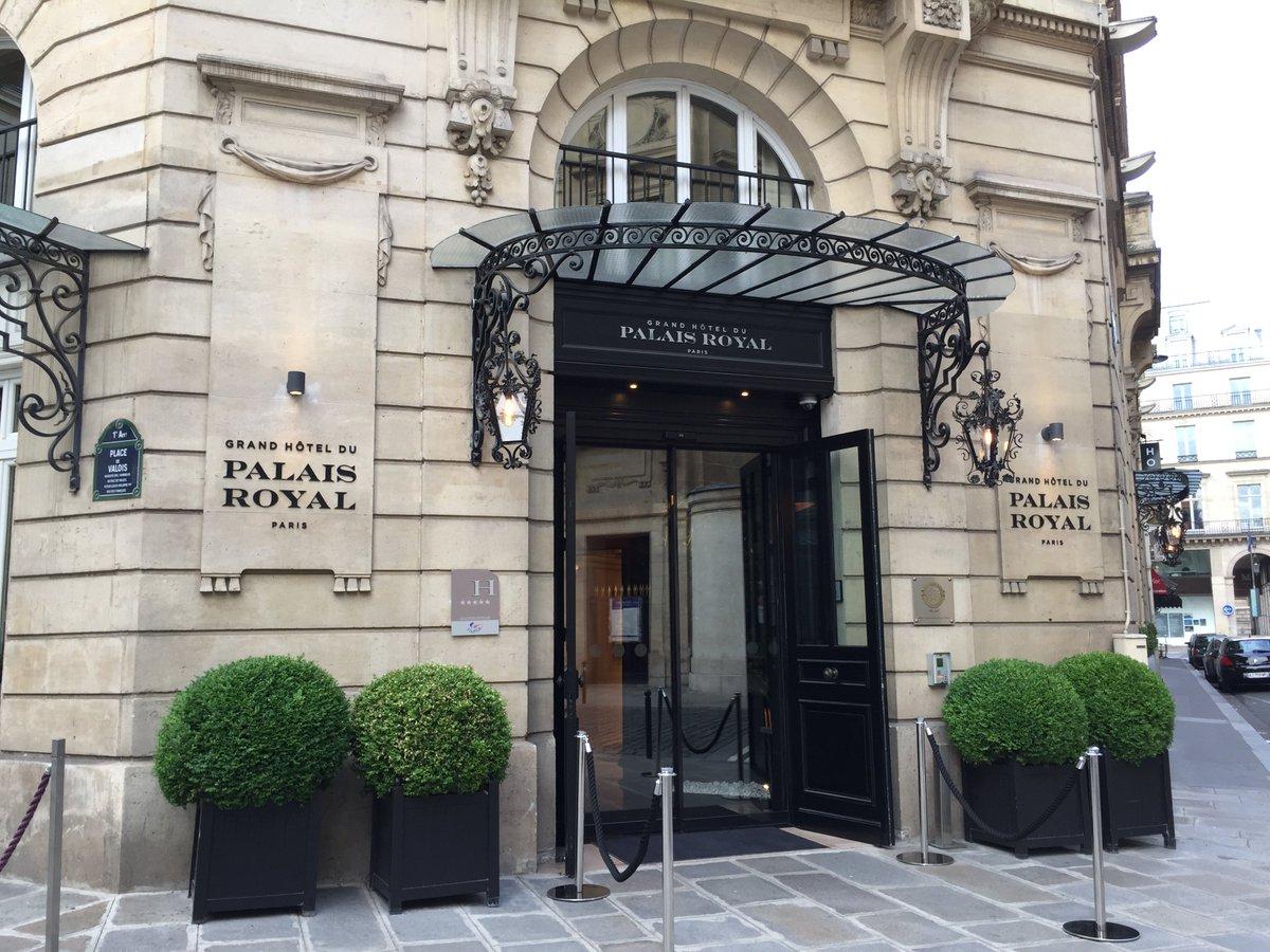 Grand hotel du palais royal paris black tomato - It S At The Grand Hotel Du Palais Royal Http Www Escapemundane Com Hotels The Parisian Dream Grand Hotel Du Palais Royal