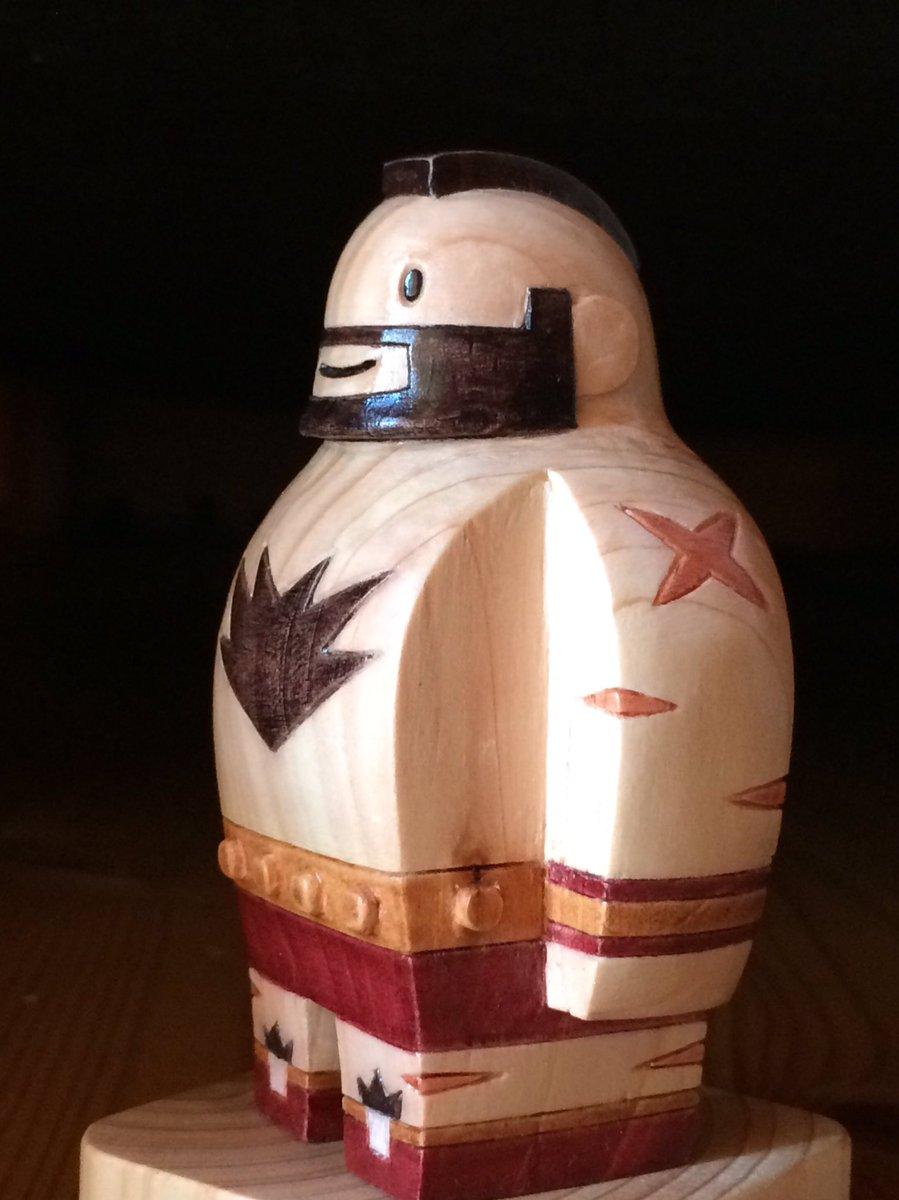 木彫りのザンギエフ人形、完成しました。 色が入ると遠目に見ても完全にザンギエフですねこれは。