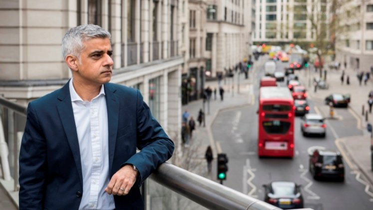 Tonight's #LSESadiq event w/ @MayorofLondon takes place in Peacock Theatre. There'll be returns queue & live webcast https://t.co/SGpJMUZFwf https://t.co/2nb9yFzFvM