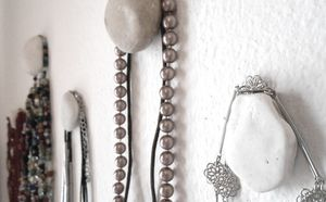 DIY Pebble Hangers