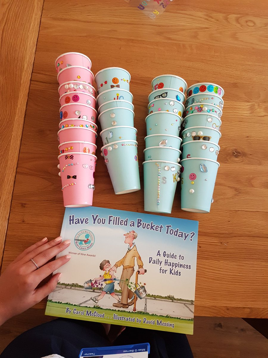 Super cute morning with my new class... read this wonderful story and created our own buckets!! @BucketFillers1 #KS1 #transition