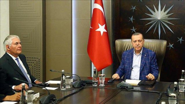 #Erdoğan meets #Tillerson in #Istanbul  http://www. yenisafak.com/en/world/erdog an-meets-tillerson-in-istanbul-2752079 &nbsp; … <br>http://pic.twitter.com/fp5US05sSD