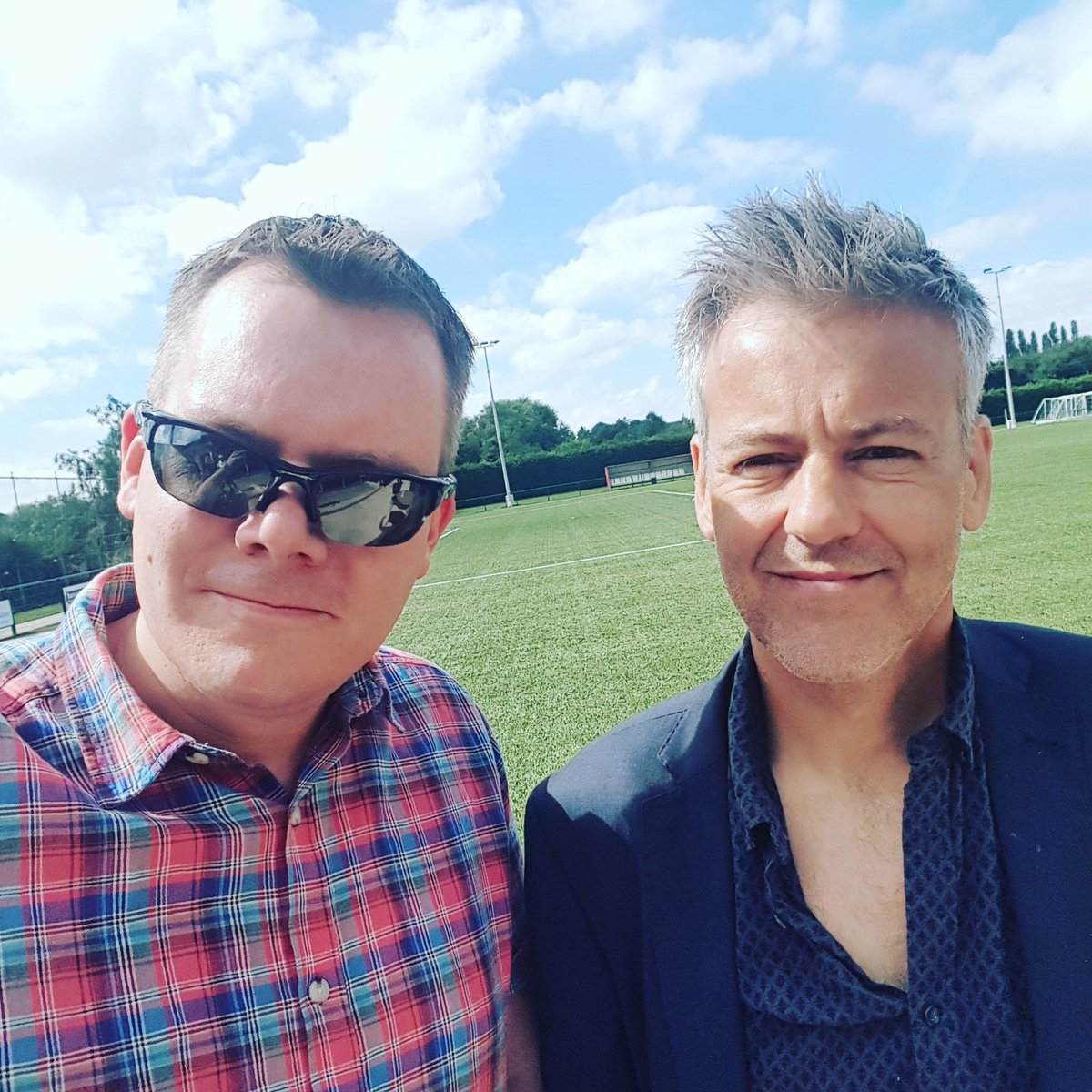 A quick photo with @_RupertGraves  from Sherlock! Great to meet you! ☺️ #PBOvsCancer https://t.co/3GKCodhtby