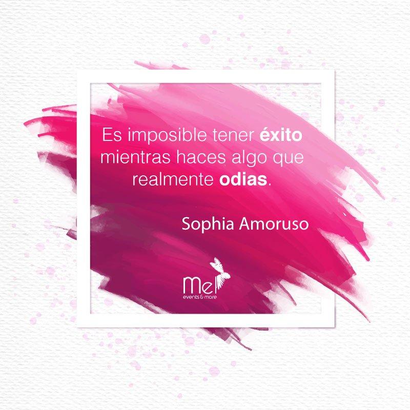 #MiFrasePorLaManana incluye a una #GirlBoss #SophiaAmoruso  #Lunes con la mejor actitudpic.twitter.com/QrFzp0IWAs