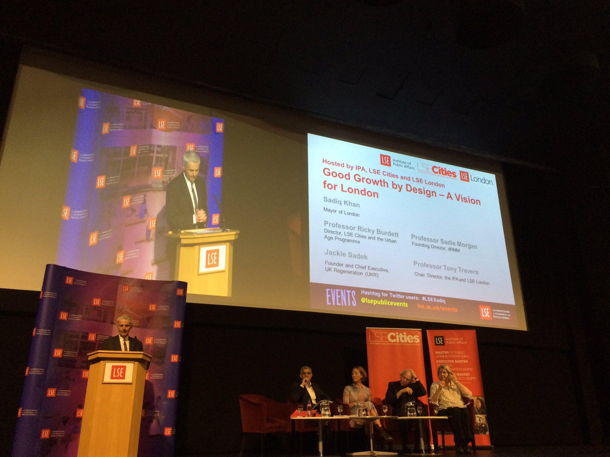 Professor Tony Travers opening the #LSESadiq event tonight #London @LSEPubAffairs @LSE_MPA https://t.co/ksHWs5eUza