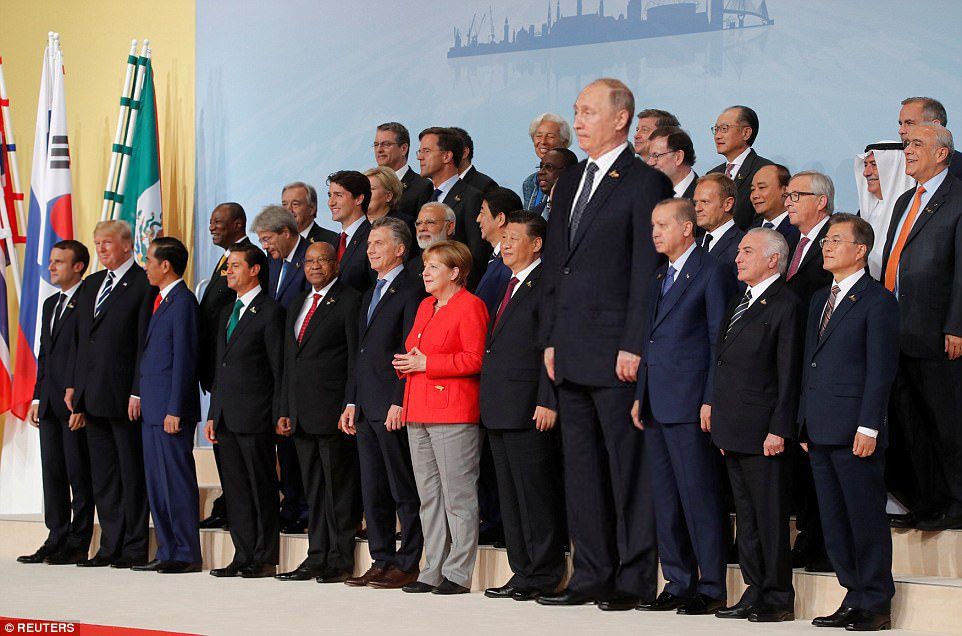"""Украина должна идти в НАТО с помощью """"субстантивного партнерства"""", - Столтенберг - Цензор.НЕТ 2886"""