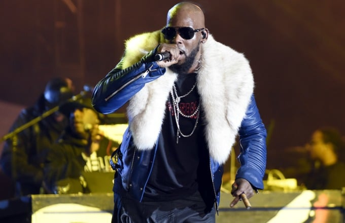 Parents accuse R. Kelly of holding their daughters in 'abusive cult' https://t.co/32maZbATEX