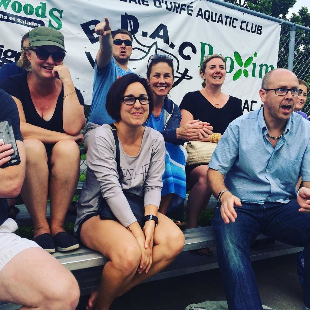 Intense fans during the 14 and under girls water polo game vs. Baie D&#39;Urfé #valois 2017 <br>http://pic.twitter.com/CWOGKwOOpK