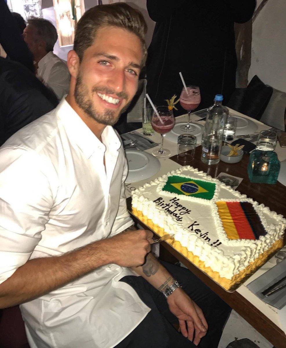Quand Kevin Trapp, né un 8 juillet, fête son anniversaire le même jour que celui du célèbre Bresil-Allemagne (7-1). 🎂