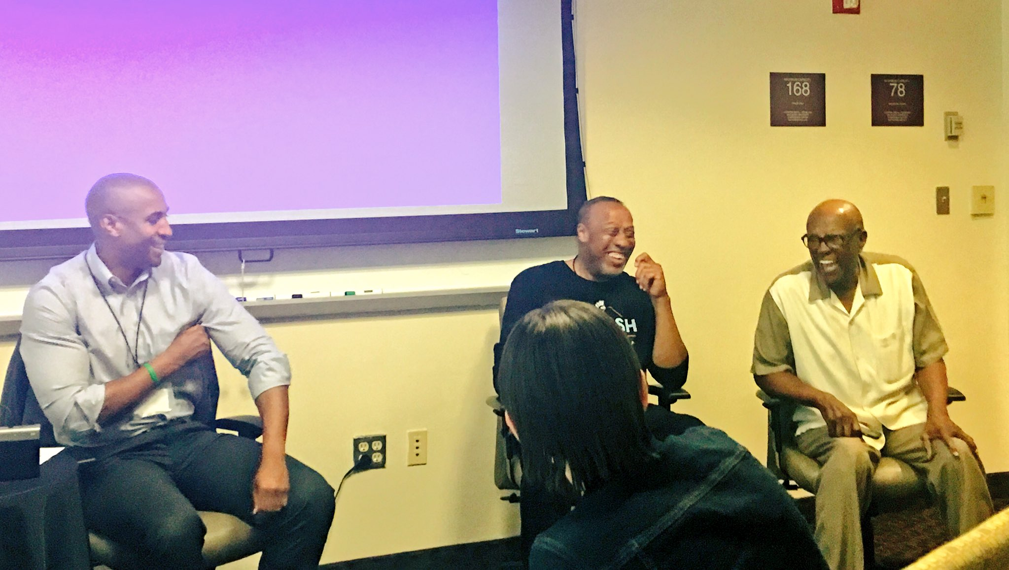 """""""Know your story, be authentic, trust your gut, and have fun w/ it""""- Public speaking panel at #Crispbootcamp #macrosw #USCmsw #fighton ❤️💛✌🏽 https://t.co/8VzJLJNAok"""