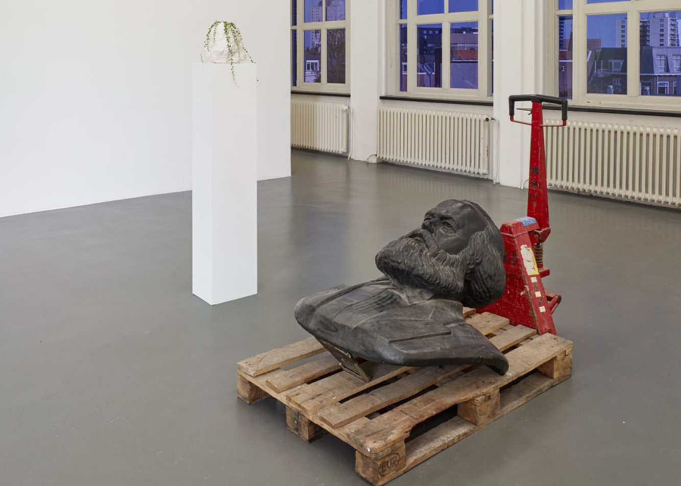 In gesprek met Ahmet Öğüt & Goshka Macuga nav hun expositie bij Witte de With in Rotterdam https://t.co/ABV3tiRk3v https://t.co/AVc4DLlM74