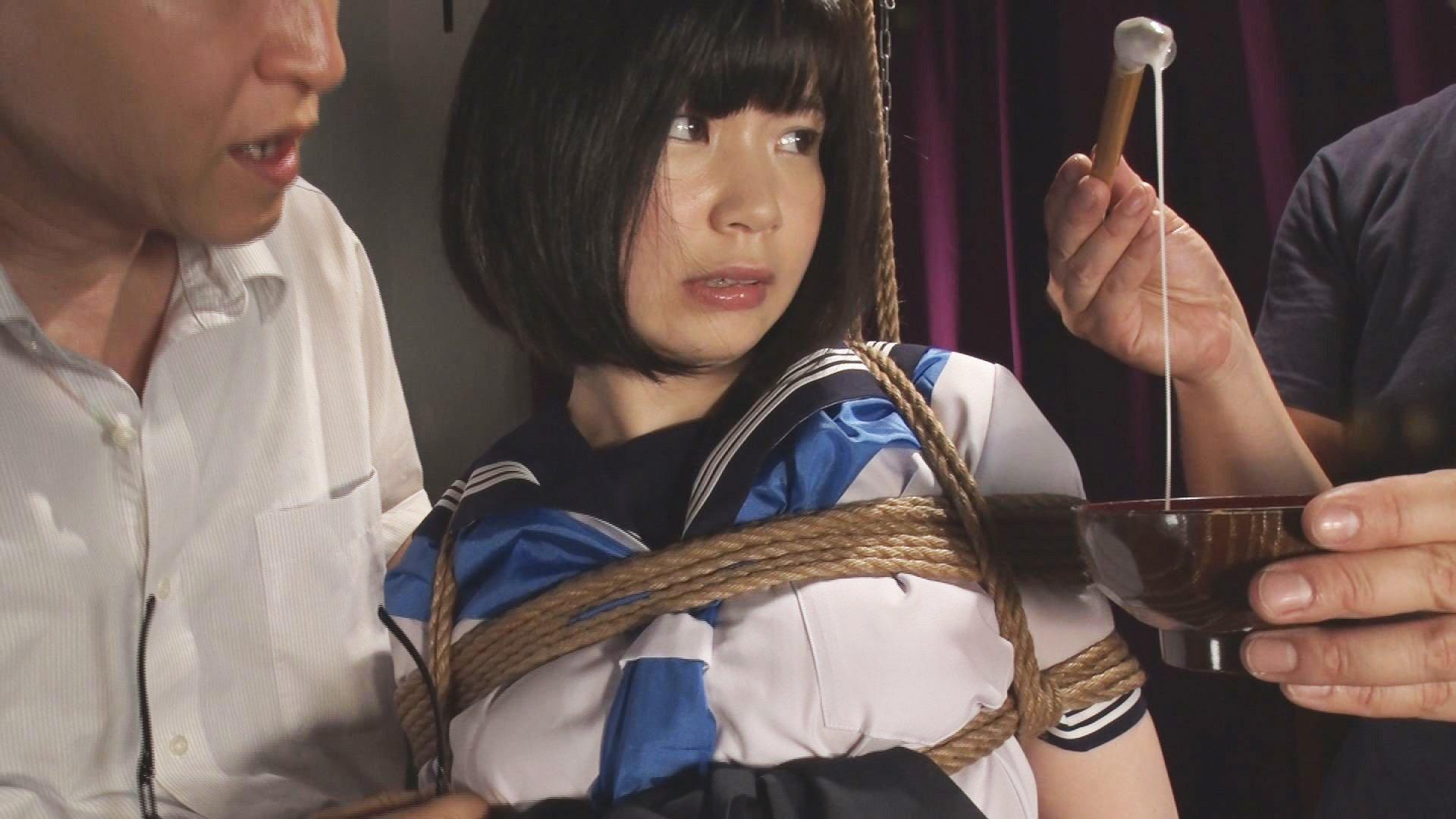 インモラル天使緊縛 縄とセーラー服がお似合い過ぎて、まるで往年の名作・インモラル天使シリーズかな?!と思う瞬間もチラホラ。始終、こんな可憐なお嬢さんを縛れるだなんて!
