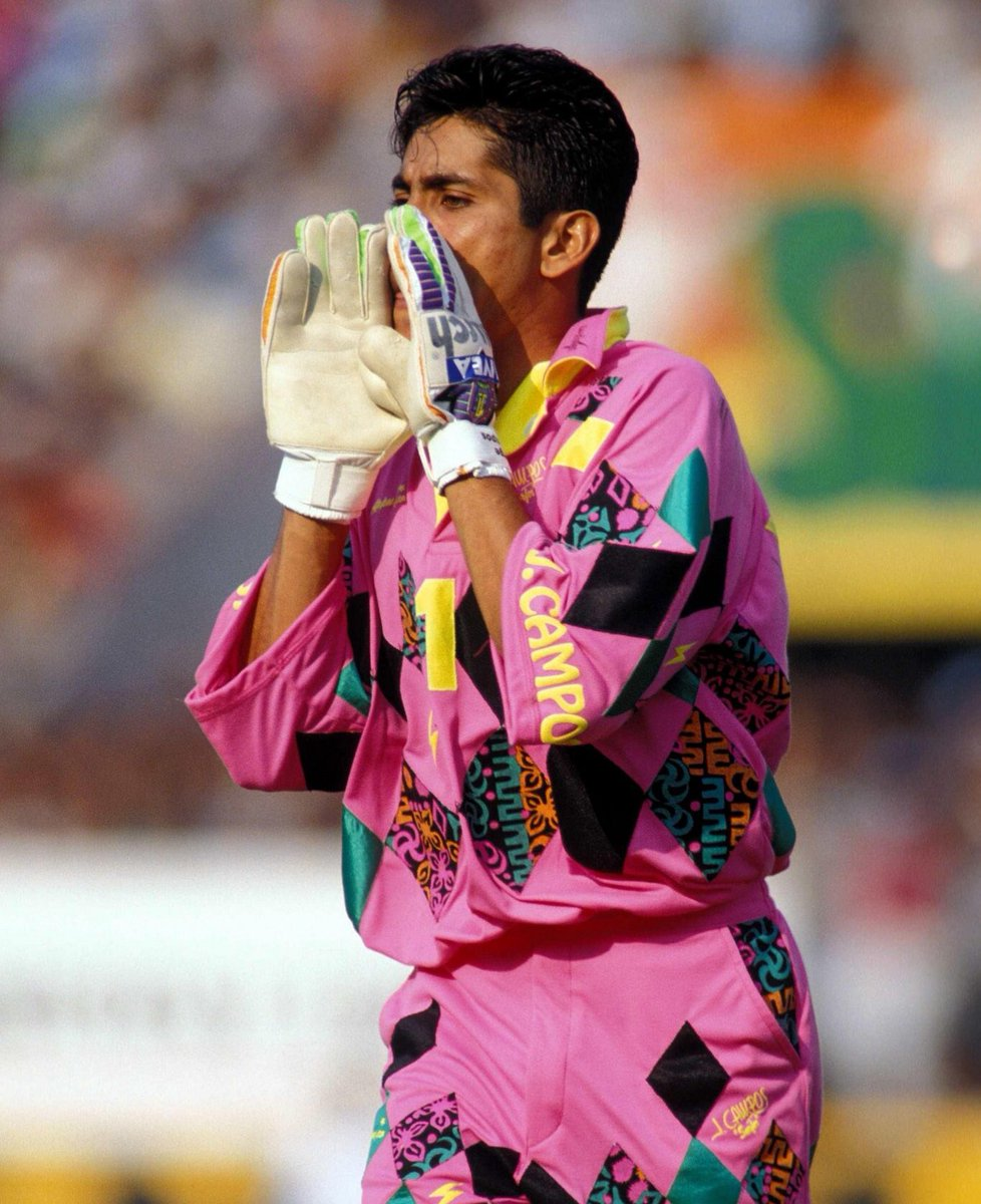 The Glove Bag On Twitter Jorge Campos The Only Goalkeeper To Have His Gloves Sponsored By A Beauty Company