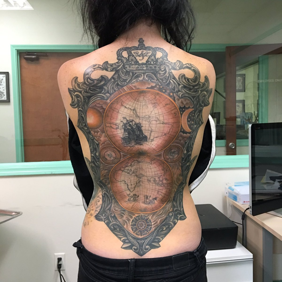 #Steampunk-ish ⚙️ Awesome of the Day: Impressive World Map Full Back Piece by #Tattoo Artist @natebeavers13 #SamaTattoo