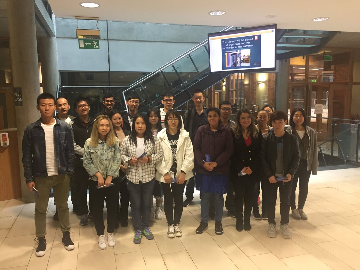 Delighted to show the Language Centre students around the library this morning. Looking forward to seeing you all around campus. #StudyAtUL <br>http://pic.twitter.com/htsZM7VwXK