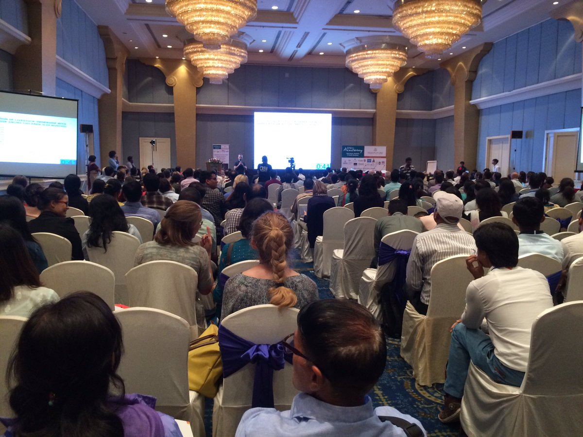 Researchers pitching their posters in 1 min presentations -  great exercise in #researchuptake #ANH2017 #agnutsympo<br>http://pic.twitter.com/6BFJYbMtY4