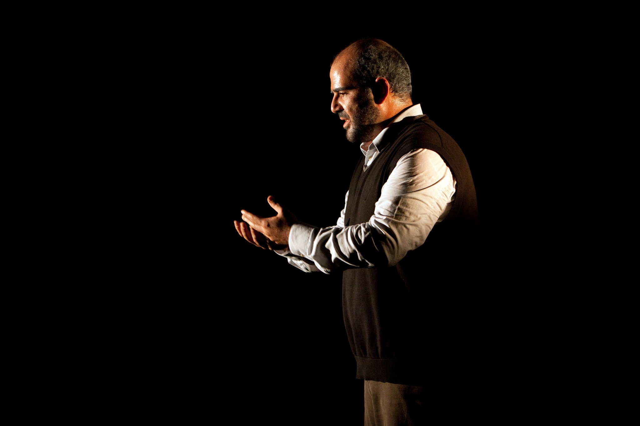 """The reviews are in for #Taha! ★★★★ """"An inspiring piece, delicate, deeply affecting. Warmly recommended"""" @Independent https://t.co/WSTqOHGV3u https://t.co/U0LRDUDQpY"""