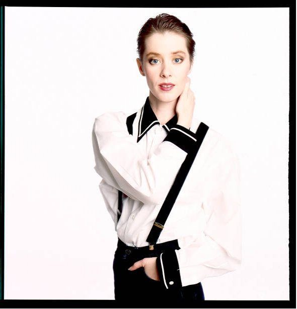 Happy birthday Suzanne Vega Photo: Deborah Feingold, 1987 Toms Diner: