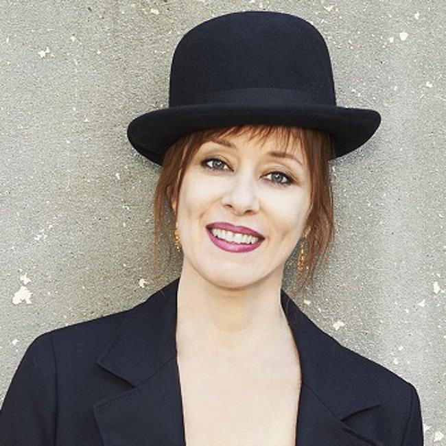 Happy Birthday à Suzanne Vega née le 11 Juillet  1959 à Santa Monica.