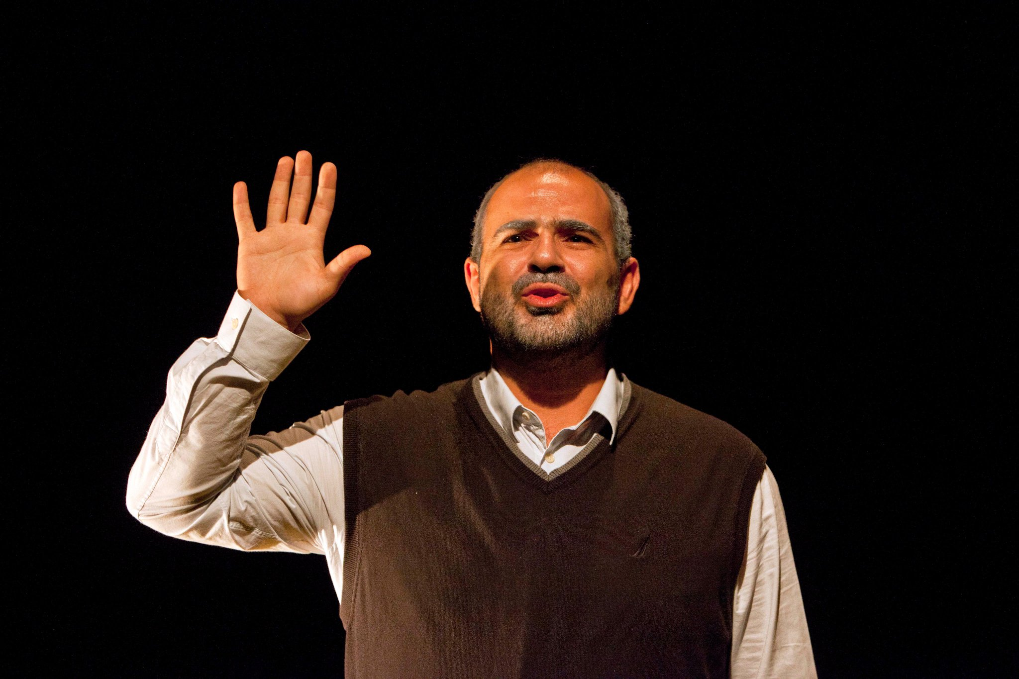 """@Independent @shubbakfestival @standardnews @BritTheatreGuid ★★★★ from @thetimes for #Taha! 🎉 """"The language uncoils like perfumed smoke, sensuous, evocative, hypnotic."""" https://t.co/7Sf3Y436t1 https://t.co/L7gnTf47cm"""