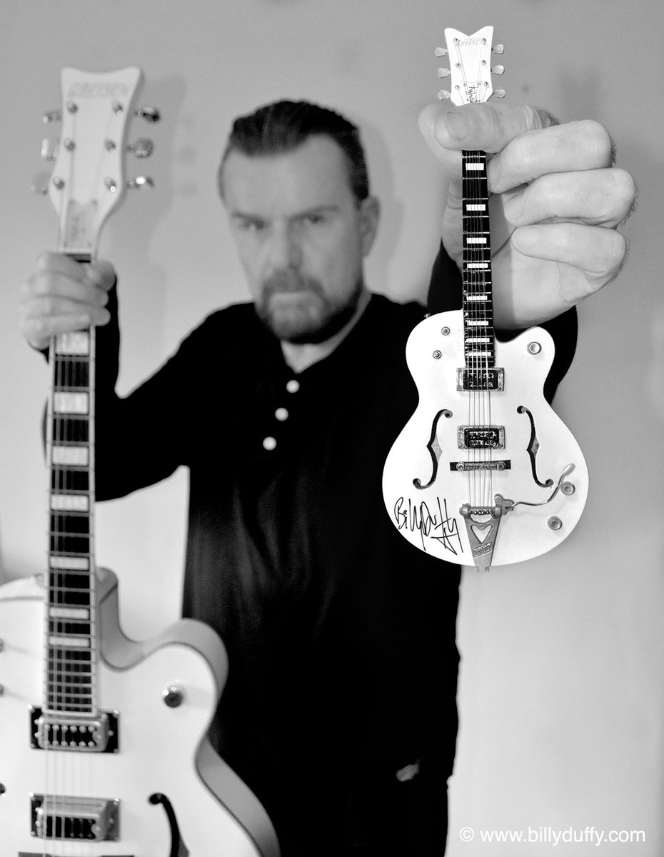 "Billy Duffy on Twitter: ""Big guitar… little guitar… Busy day signing mini  guitars... #billyduffy #limitededition #miniature #whitefalcon #comingsoon…  ..."
