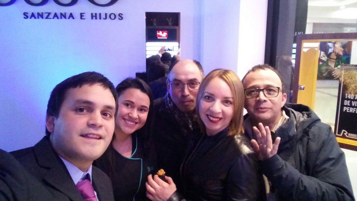 6e60a59c5e Compartimos con ustedes algunas fotos de la inauguración de Di Lusso.  Estamos en Centro Nuevo #DiLusso #valdivia #Valdiviacl  #CentroNuevopic.twitter.com/ ...