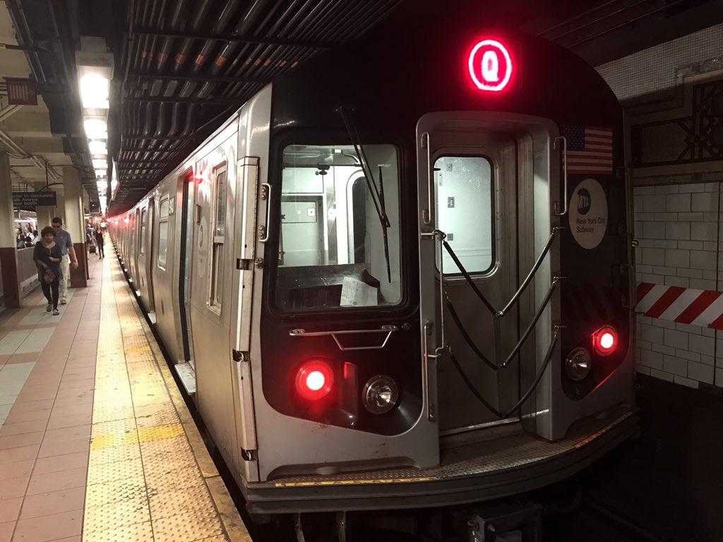 """葦乃有楽斎🌾 on Twitter: """"ニューヨーク市地下鉄Q系統の列車と車内の ..."""
