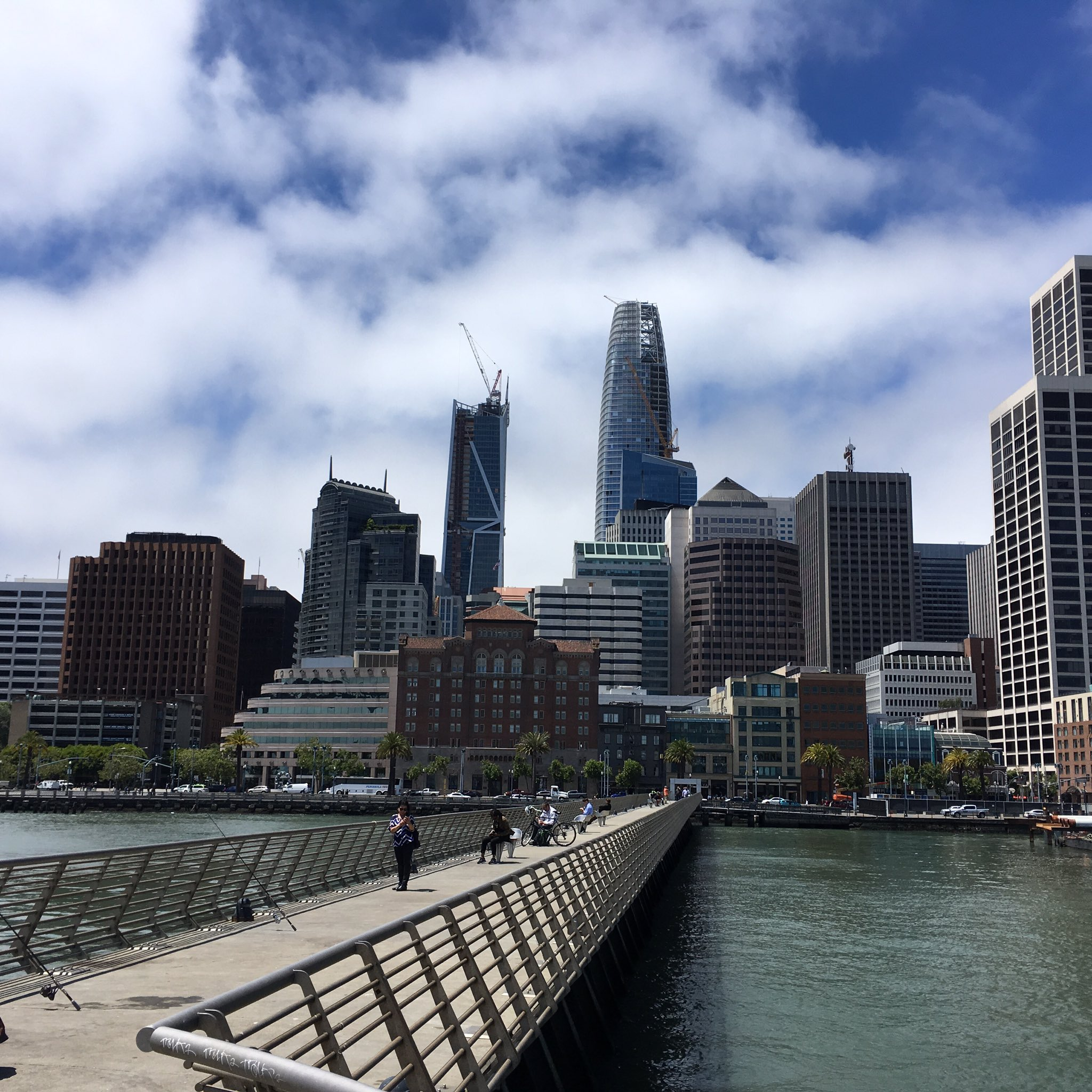 SF's downtown skyline is changing quickly. https://t.co/wU0EDA7soT