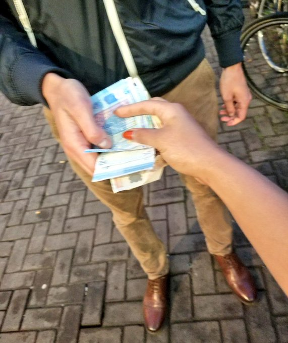 Cashmeeting in Amsterdam! Who's next? 😎💱💰 #findom #tribute #spoiled https://t.co/h8IObAT3H3
