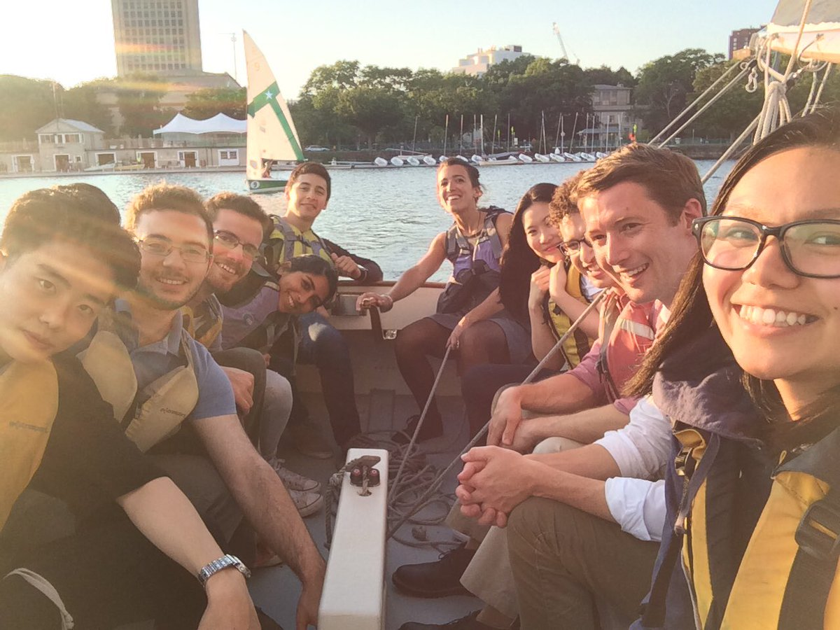 Another awesome impromptu adventure with the #langerlab on the Charles River  <br>http://pic.twitter.com/B1YCCgDUdN