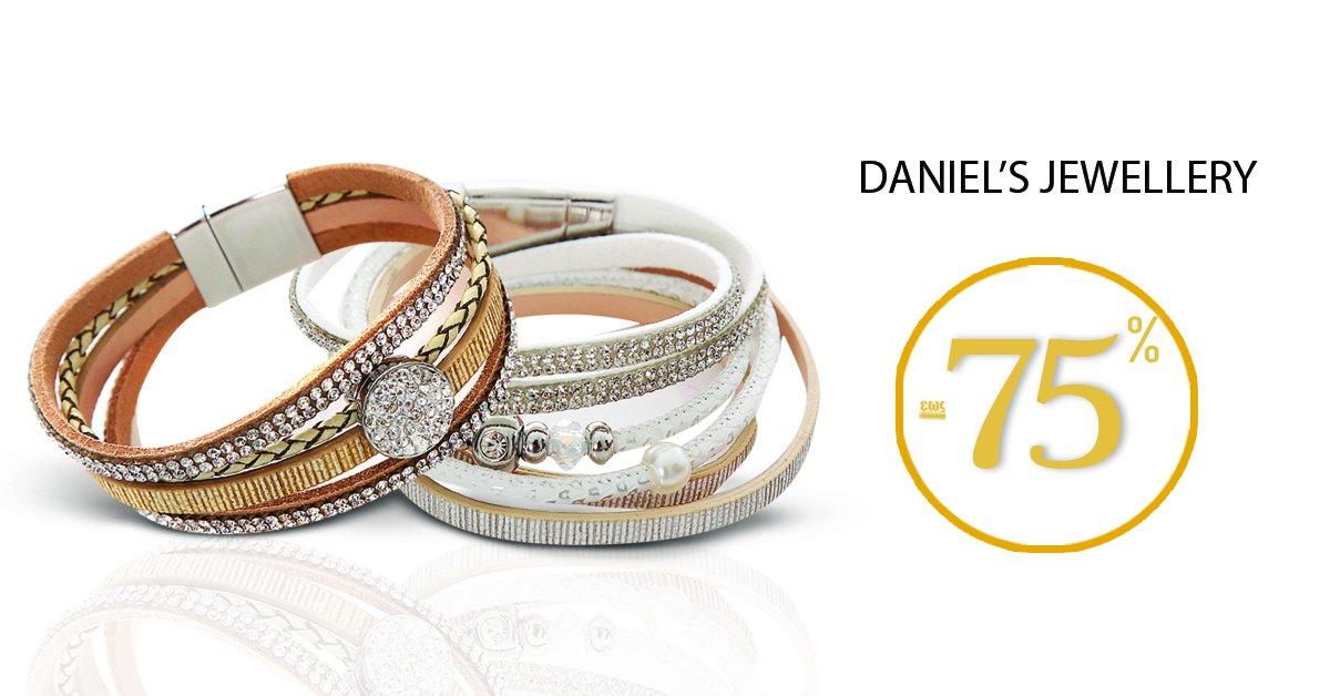 Λαμπερές εμφανίσεις με κοσμήματα που θα βρείτε στην συλλογή Daniel's Jewellery! SHOP NOW --> https://t.co/q2qLL4P6Hz https://t.co/4Gvgtu8EkD