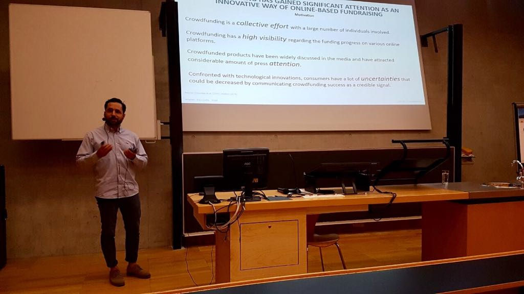 Do consumers really care about @crowdfunding? @baccito presenting our initial findings at #OUI2017. #innovationperception #industryFAU https://t.co/W7ZnA79xWL